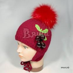 """Шапочка """"Вишня"""", бордовая, с красным помпоном, вязаная, детская, зимняя, для девочки"""