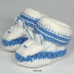 """Пинетки """"Мишутка"""" белые с синим, вязаные, детские, для мальчиков и девочек, осенние, весенние"""
